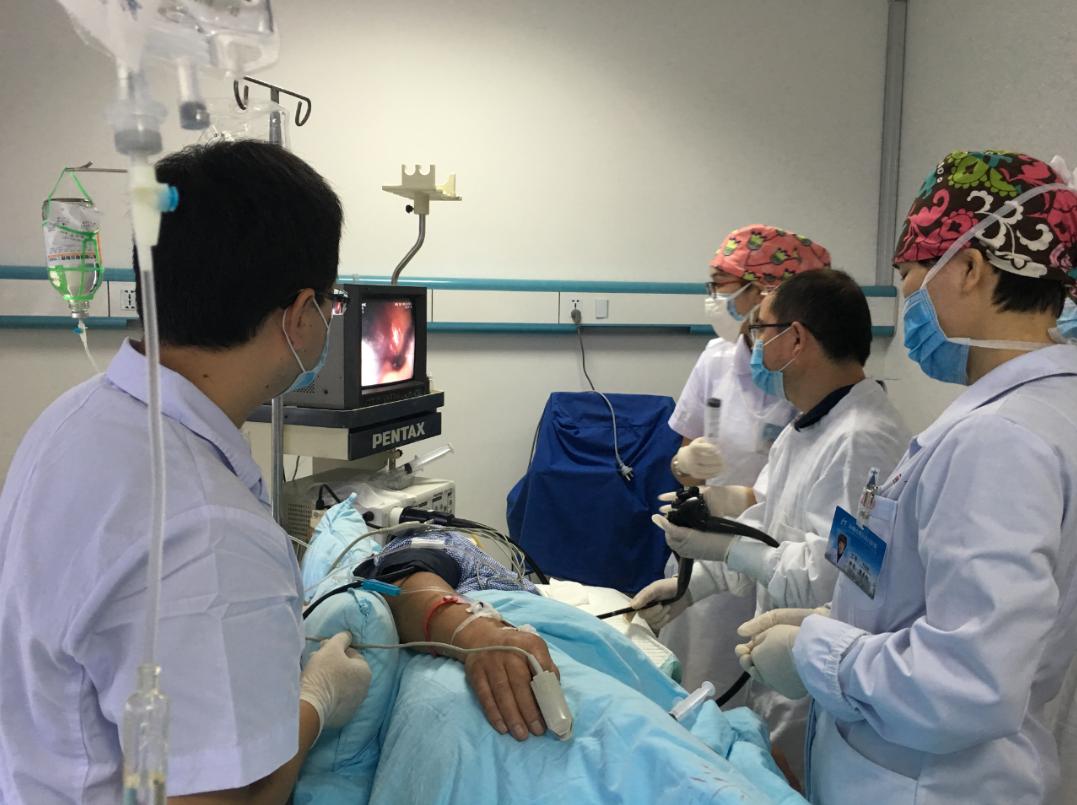 消化科:一场惊心动魄的胃镜下止血救援